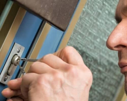 פורץ דלתות בראשון לציון מנעולן בראשון לציון פורץ מנעולים 24 שעות